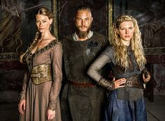 Vikings Season 2 First Look: Tensions Rise Between Ragnar and Lagertha?See the Pics | E! Online Mobile