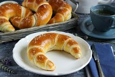 ...konyhán innen - kerten túl...: Vajas kifli Hungarian Desserts, Hungarian Recipes, Breakfast Diner, Breakfast For Kids, Baking And Pastry, Bread Baking, Homemade Croissants, Serbian Recipes, Bread And Pastries