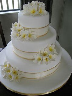 Frangipani wedding cake... So pretty :)