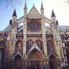 It gets crowded for a reason, anyone who's anyone is buried here.  Kings and Queens.  Incredible history and architecture and if you are lucky the organist will be practicing or perhaps the choir will be rehearsing.