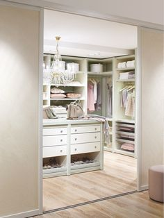 40 Pretty Feminine Walk-In Closet Design Ideas | DigsDigs. For the LadyDen