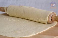 Pasta matta, un impasto semplice per torte salate deliziose, preparato con acqua, farina, sale e olio.