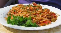 Spaghetti allo scoglio con rucola #pasta #Italian Food #cucinaitaliana