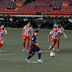 Lionel Messi Barcelona, Barcelona Football, Fc Barcelona, History Of Soccer, Lional Messi, Soccer Ball, Reign, Leo, Sports