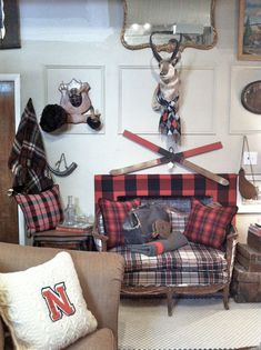 shopping at brimfield on north clark street, chicago. New England Homes, New England Style, Plaid Living Room, Plaid Wallpaper, Guest Cabin, Chicago Shopping, Family Room, House Styles, Booth Ideas
