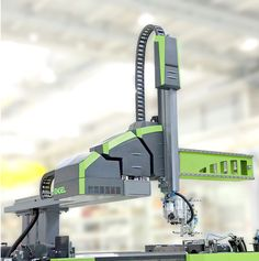 Peschkedesign — Roboter-Familie - Engel Viper Industrial Robots, Industrial Machine, Visual Design, Tool Design, Machine Tools, Cnc Machine, Interface Design, Dremel Tool Projects, Cnc Router Plans
