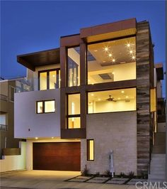 With extensive Manhattan Beach community knowledge, Stroyke Properties has successfully sold homes to help buyers and sellers meet their goals. Hermosa Beach, California Real Estate, House Front, Real Estate Marketing, Perfect Place, Townhouse, Beach House, Mansions, Architecture