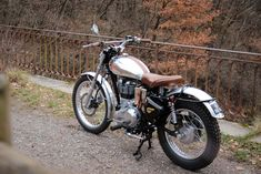 Sixties trial machines inspiration for the Royal Enfield Classic Enfield Bike, Enfield Motorcycle, Motorcycle Boots, Bullet Bike Royal Enfield, Enfield Classic, Classic Bikes, Bike Design, Custom Motorcycles, Cool Bikes