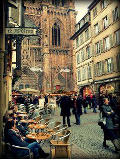 Strasbourg, FRANCE. Rue Mercière, Noël ©M.MILESI