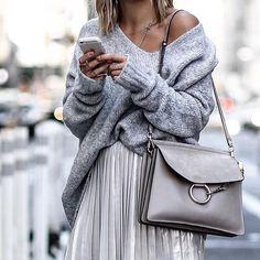 @aylin_koenig #detalis#fashion#glamour#fashionlook#streetstyle#srteetart#cool#outfitinspiration#dress#outfit#likeforlike#instalike#lifestyle#