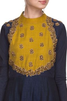 Style Heave: Neck Design For Women Charmed Dress Up Indian Attire, Indian Wear, Indian Outfits, Dress Neck Designs, Blouse Designs, Kurta Neck Design, Kurta Designs Women, Salwar Designs, Kurti Patterns