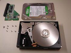 How to Recover Data When Your Hard Drive Goes Belly Up / Cómo recuperar datos cuando tu disco duro falla.