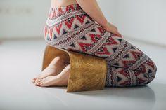 Handgemaakte meditatie bankje - ZenWork. Licht hout door ZenWorkPlace op Etsy https://www.etsy.com/nl/listing/247826338/handgemaakte-meditatie-bankje-zenwork