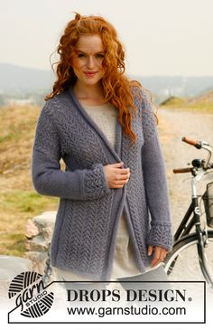 "Majestic - Knitted DROPS roll edge jacket with lace pattern in ""Alpaca"" and ""Kid-Silk"". Size: S - XXXL. - Free pattern by DROPS Design"