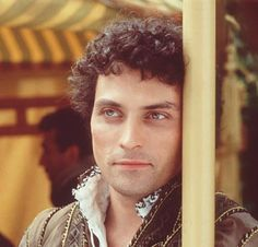 Rather nice pic of Rufus Sewell in A Knight's Tale - shame he usually plays the villain.