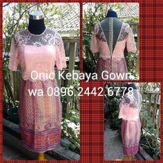 Onic Kebaya Gown Jl.Cibadak 179 (Lantai 2) WA 0896.2442.6778 BB 2B23814D / 29D5461F T. 0813.2055.8835 / 022-9508.8835 www.onicboutique.blogspot.com #kebayagown #kebayagownbandung #kebayagaunmurah #kebayagaun #kebayamodern #kebayamuslim #kebayawisuda #kebaya #sewakebaya #jahitkebaya #jahitkebayagaun #jahitkebayagown #wisuda #kebayamurah #bandung