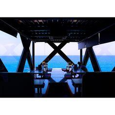 """日本国内にはロマンチックな雰囲気が素敵なレストランがたくさん。今回はそんなロマンチックな雰囲気が素敵なレストランの中でも、""""海の上に浮かぶ""""絶景レストランをご紹介!あまりの雰囲気の良さに、帰りたくなくなる人が続出です。"""