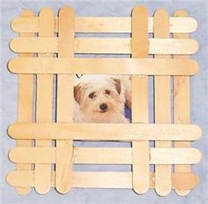 Picture Frame Popsicle Stick Picture Frame, Diy Popsicle Stick Crafts, Popsicle Sticks, Craft Sticks, Craft Stick Projects, Craft Ideas, Vbs Crafts, Easter Crafts, Daisy Girl Scouts