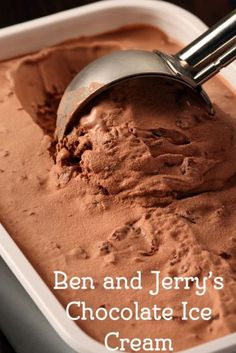 Jerry's Chocolate Ice Cream Ben and Jerry's chocolate ice cream from . Your family will love this recipe.Ben and Jerry's chocolate ice cream from . Your family will love this recipe. Ice Cream Treats, Ice Cream Desserts, Frozen Desserts, Frozen Treats, Frozen Yogurt Recipes, Ben Y Jerrys, Ben And Jerry's Ice Cream Recipe, Ben Und Jerry, Choclate Bar