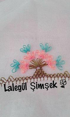 This Pin was discovered by çiç Simple Eyeshadow, Crochet Bedspread, New Mens Fashion, Baby Knitting Patterns, Needle And Thread, Lace Making, Tatting, Needlework, Diy And Crafts