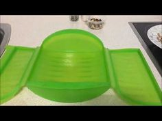 Champiñones con frutos secos en estuche de vapor Lekue Ice Cube Trays, Youtube, Microwaves, Recipes With Vegetables, Meals, Journals, Libros, Dinners, Ice Makers
