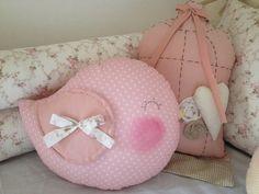 Almofadas decorativas nas cores que desejar! Valor referente as 2 almofadas Bean Bag Chair, Kawaii, Children, Pattern, Crafts, Home Decor, Ideas Para, Embroidered Cushions, Personalized Pillows