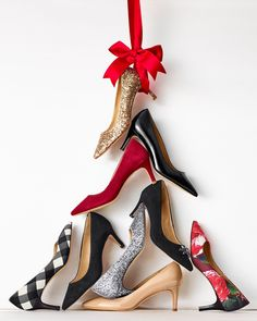 The perfect pump from buffalo check to festive floral, subtle suede or a glimpse of glitter. Christmas Shoes, Holiday Shoes, Christmas Colors, Xmas, Merry Christmas, Black Pumps Heels, Shoes Heels, Mein Portfolio, Christmas Editorial