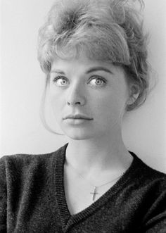 British leading lady of stage and screen. yrs of age in picture). English Actresses, British Actresses, Battle Of Britain Movie, Cannes Awards, Superman Film, 1980 Films, Susannah York, John Huston, Swinging London