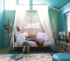 10-year-old-girl-room. <== I'm 21 an I want this room :D