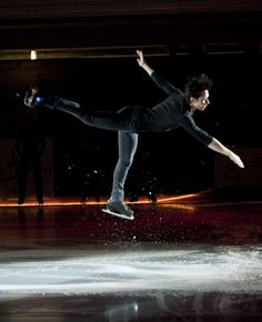 Johnny Weir Photos - Marshalls U.S. Figure Skating Challenge - Zimbio