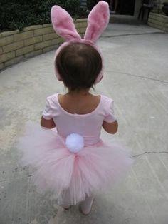 Disfraz de niña de conejo.