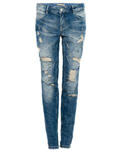 Jeans pitillo rotos de PULL BEAR (SS14) comprados por 23,99€ gracias a una promoción del 20% (antes 29,99€). Ref. 5689305