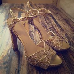 Gold Glitter Sandal Get your disco on in these!! ✨✨ worn once! Nine West Shoes