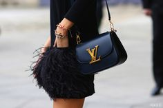 I'm not a logo fan at all, but this Louis Vuitton bag is just sooo stylish! Styledevil | Faksimile.no