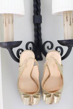 Copyright: Jennifer Bearden Photography Jennifer Bearden Photography www.jenniferbearden.com #weddings #charleston #chs #photography #shoes