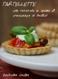 #tartellette con ratatuia e spuma di crescenza al basilico#