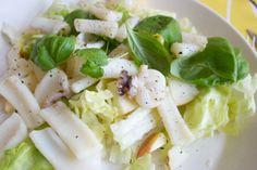 Hämmentäjä: Mustekalasalaatti ja Pekingin tunnelmia. Squid salad and vibes from Beijing.