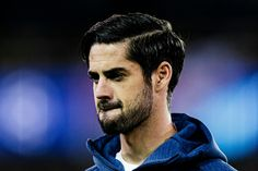 Isco Real Madrid, Sexy Military Men, Isco Alarcon, Real Madrid Players, Haircuts For Men, Football Players, Club, Fictional Characters, Game