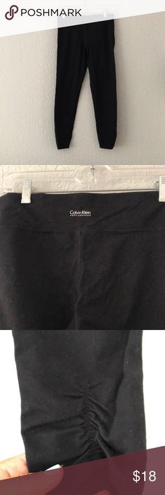 Black Calvin Klein leggings with ruched back ankle Black Calvin Klein leggings with ruched back ankle. In good condition, worn a handful of times. Size M Calvin Klein Pants Leggings