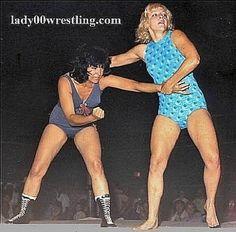 Extreamely Violent Women Wrestling Pics DVDs