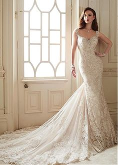 Marvelous Tulle V-neck Neckline Mermaid Wedding Dresses with Beaded Lace Appliques #wintersale