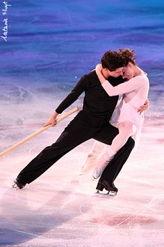 Tessa Virtue and Scott Moir. The absolute best ice dancers ❤️