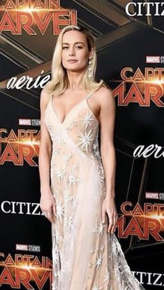 - ̗̀ saith my he A rt ̖́- Brie Larson, Prettiest Actresses, Beautiful Actresses, Captain Marvel Carol Danvers, Famous Girls, Girl Inspiration, Gal Gadot, Hollywood Celebrities, Girl Crushes
