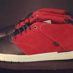 """Vans LXVI, de """"zomersneaker"""". #hoekomjijdezomerdoor #vanslxvi #LXVI #vans66 #sneakers #gobritain"""