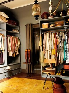 Find the most effective dressing space concepts, styles & ideas to match your design. Browse through pictures of clothing spaces & closets to create your best house. Dressing Room Closet, Dressing Room Design, Closet Bedroom, Dressing Rooms, Closet Wall, Dressing Area, Master Closet, Walk In Closet Design, Closet Designs