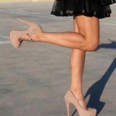 Beige heels - loveeee
