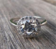 Lovely Crystal Halo Ring Engagement Ring White Crystal por Belesas, $86.99