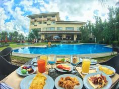 Sincerely missing the whole staff of @hotelkimberlytagaytay. For us the only way a sumptous breakfast by the pool can be enjoyed even much more is if you're surrounded by amazing people -- families busy swimming and having breakfast children laughing farm plans and a super friendly staff. Felt super at home every single moment. The nice breaky scene was just an added bonus.  Make sure you follow @hotelkimberlytagaytay and check out their upcoming holiday activities. If you're in the…