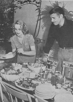 Carole Lombard and Clark Gable ~~~ he was a very tall man and that was my mother… Hollywood Couples, Old Hollywood Glamour, Golden Age Of Hollywood, Hollywood Stars, Classic Hollywood, Hollywood Men, Classic Actresses, Classic Movies, Divas