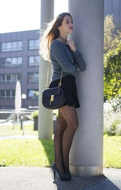 how-to-wear-a-mini-skirt-in-autumn-autumn-outfit-ideas-tipps-for-the-perfect-fall-look